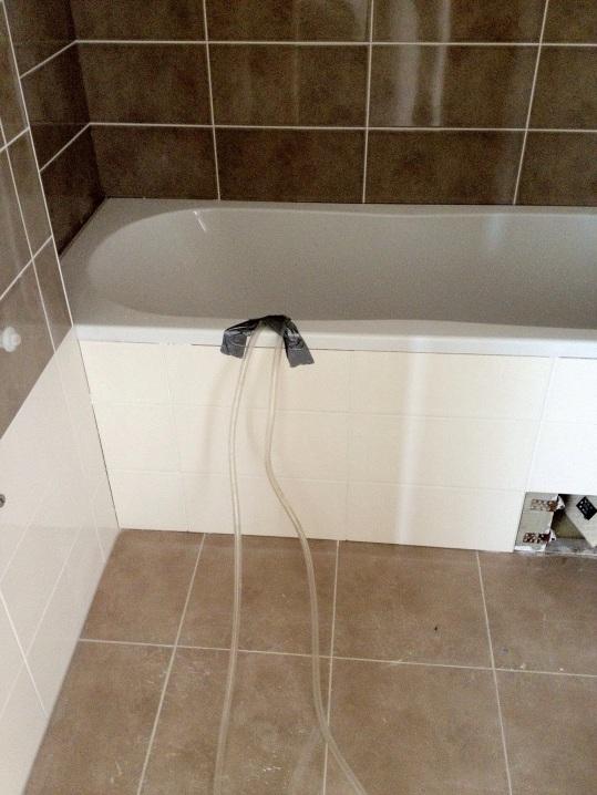 Odvod kondenzátu např. do odpadu vany